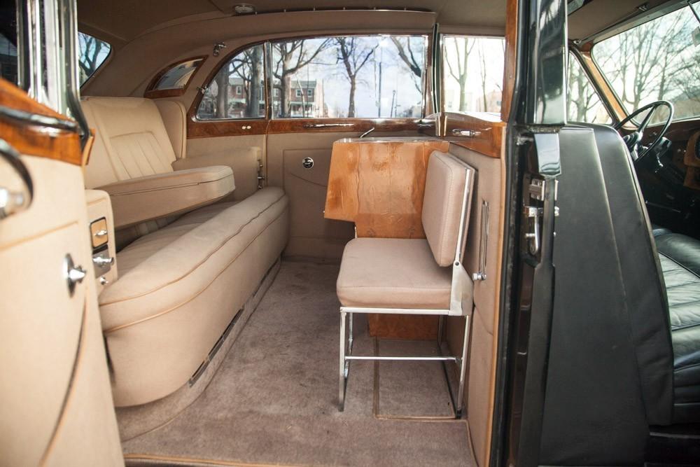 1960 rolls royce phantom v. Black Bedroom Furniture Sets. Home Design Ideas