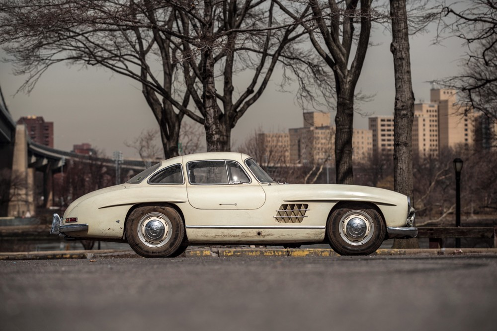 1956 mercedes benz 300sl gullwing coupe for Mercedes benz 300sl price