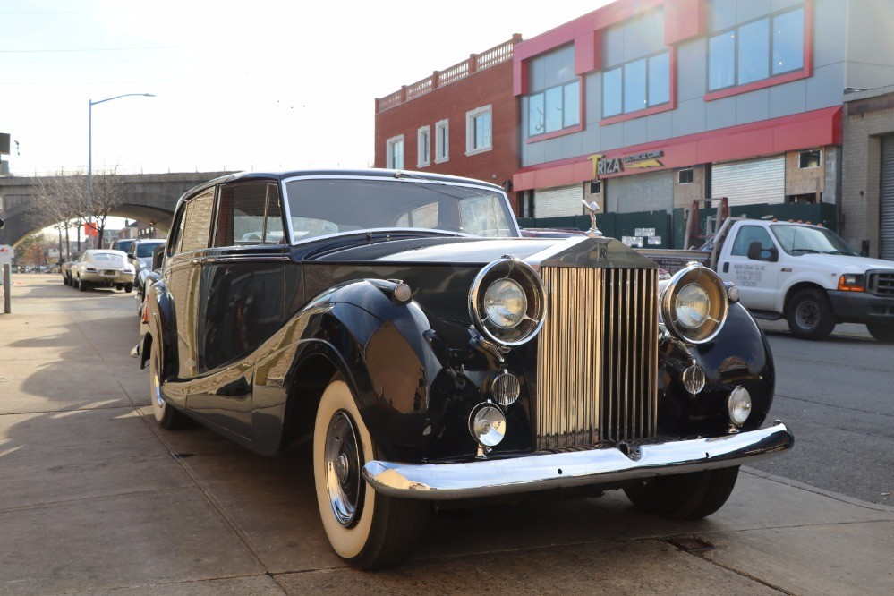 1956 Rolls-Royce Silver Wraith Mulliner Touring Limousine LHD Stock